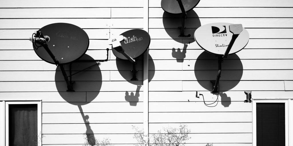 satellite dishes serge van neck