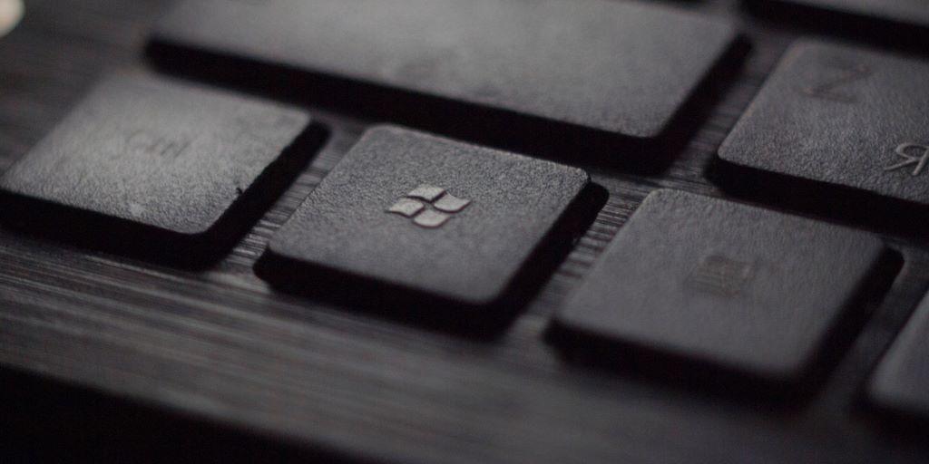 windows keyboard logo by tadas sar